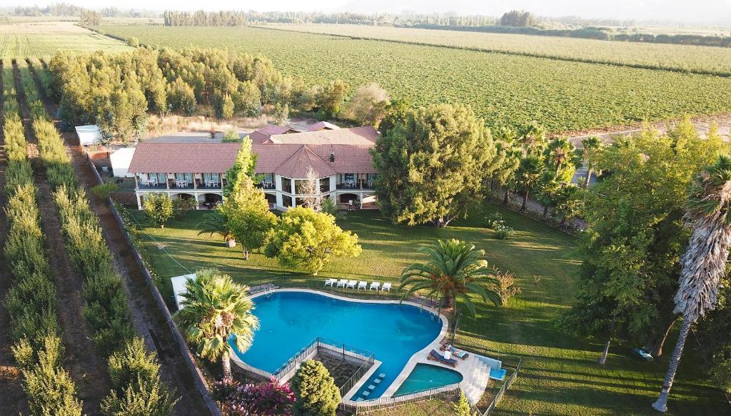 Uma vista aérea de La Perla Hotel