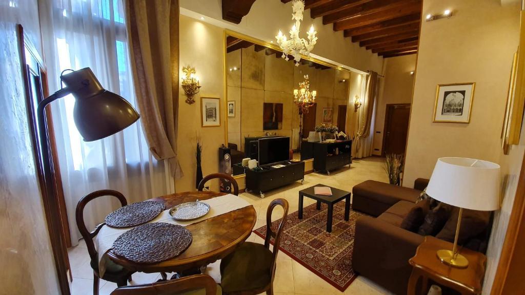 The lounge or bar area at Residenza Ca' Brighella