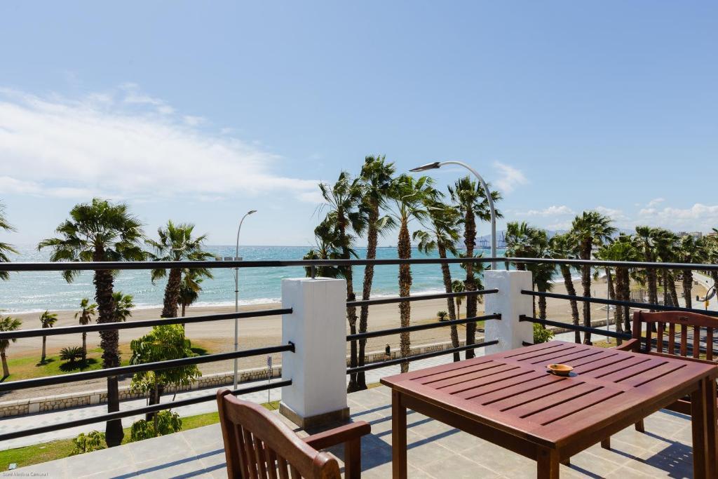 Loft Con Gran Terraza En Primera Linea De Playa Málaga