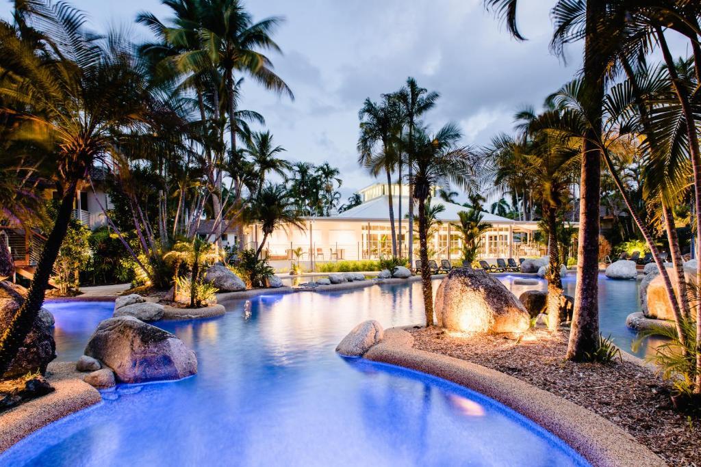 The swimming pool at or near Reef Resort Villas Port Douglas