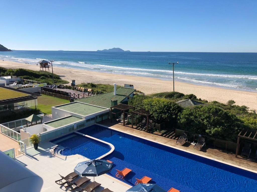 A view of the pool at Hotel Aquamar Ingleses or nearby