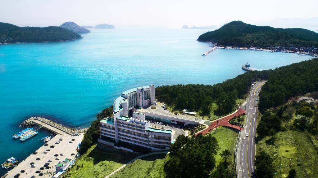 A bird's-eye view of Hotel Riviera Geoje