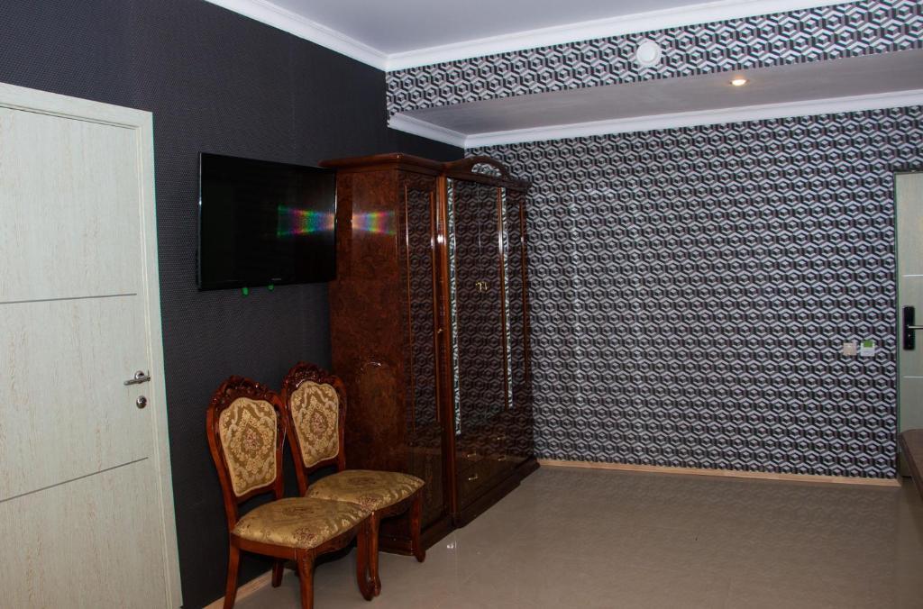 A seating area at Lesnaya Skazka Hotel