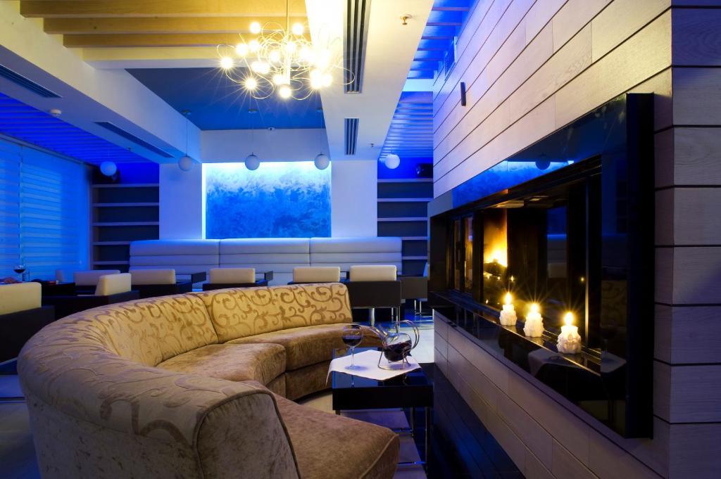 A seating area at Hotel Soa