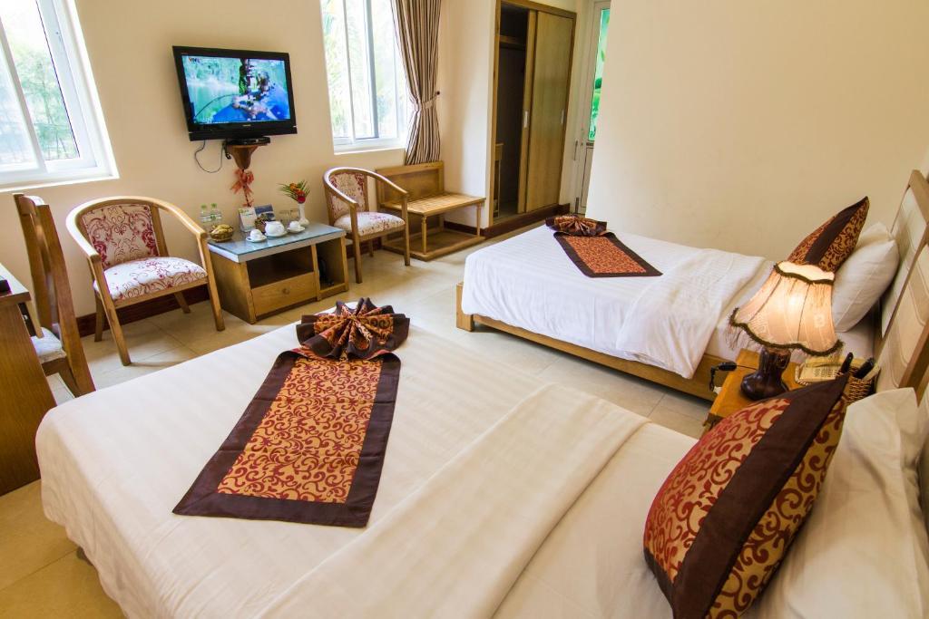 Huong Phong Ho Coc Resort