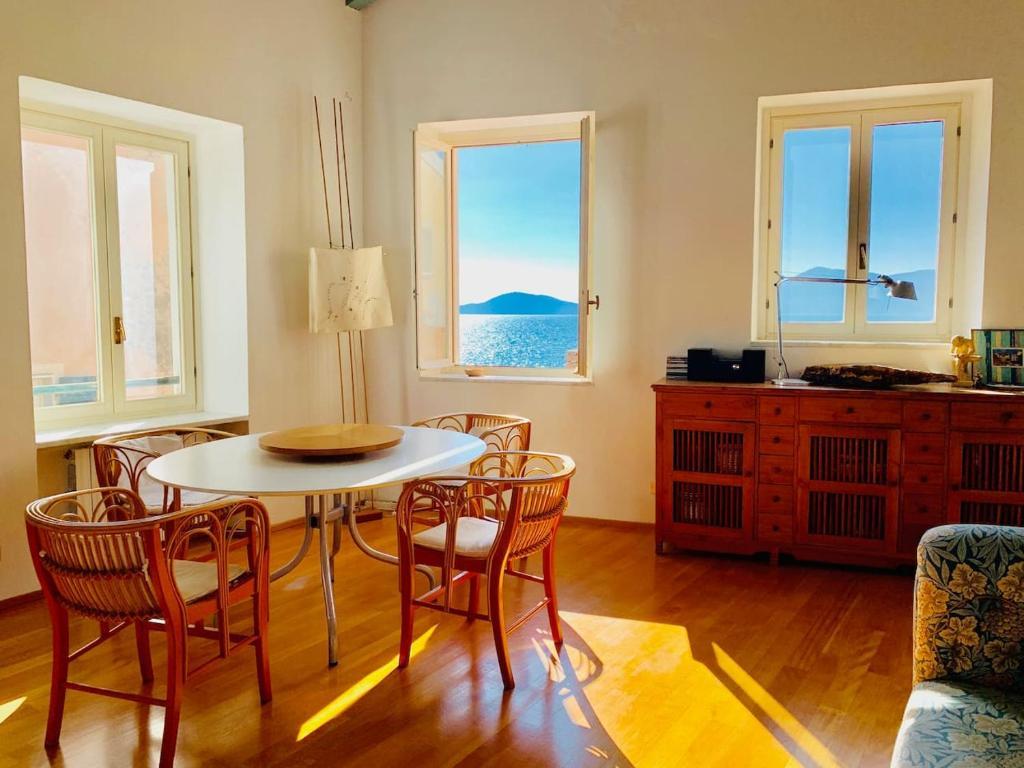 Finestra Sul Tetto Nome la finestra sul golfo, tellaro, tellaro – prezzi aggiornati