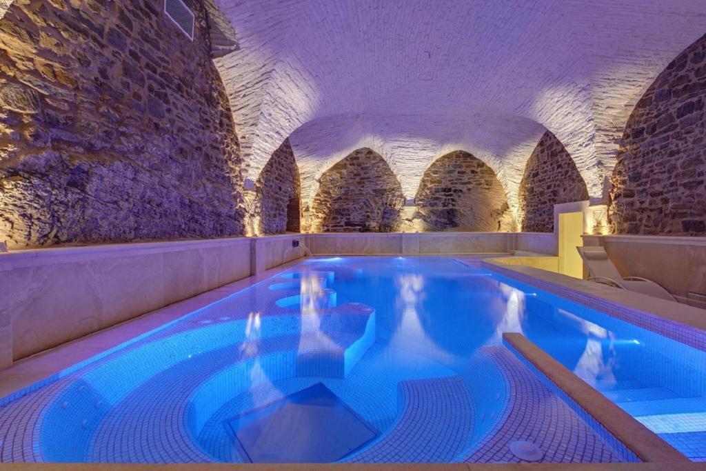 Piscina di Monastero Di Cortona Hotel & Spa o nelle vicinanze