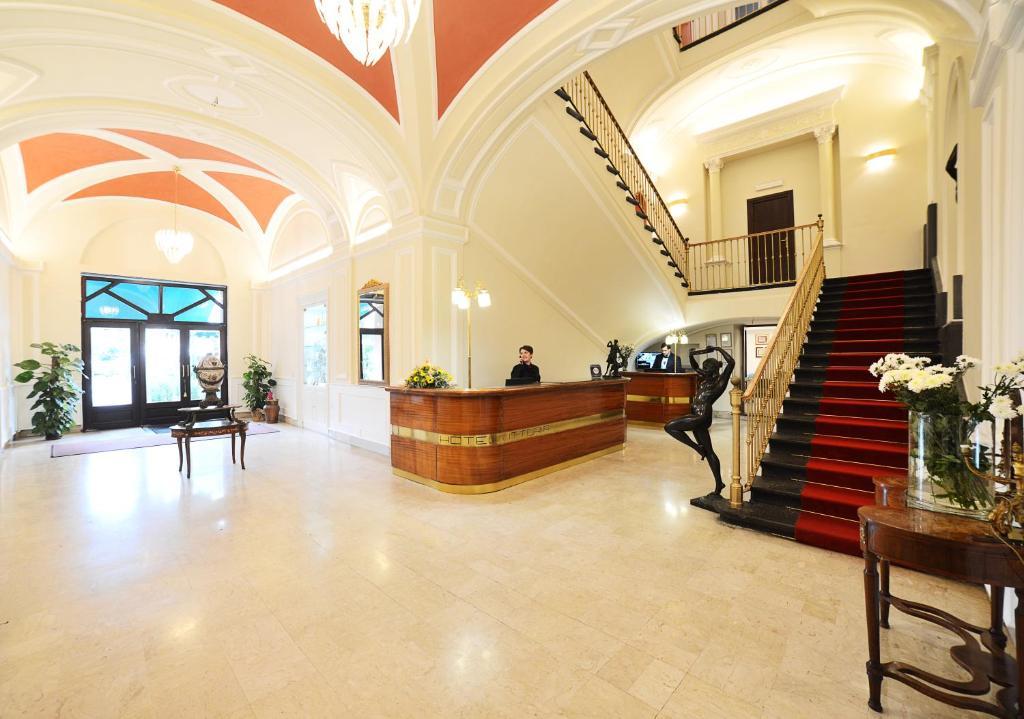 The lobby or reception area at Hotel Ristorante Vittoria