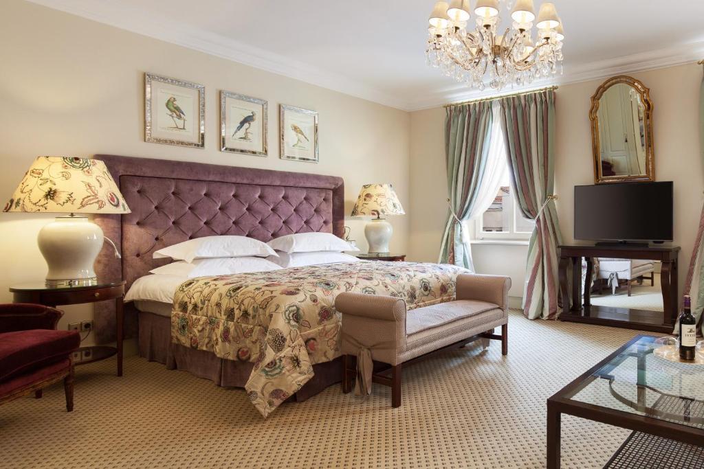 Lova arba lovos apgyvendinimo įstaigoje Narutis Hotel