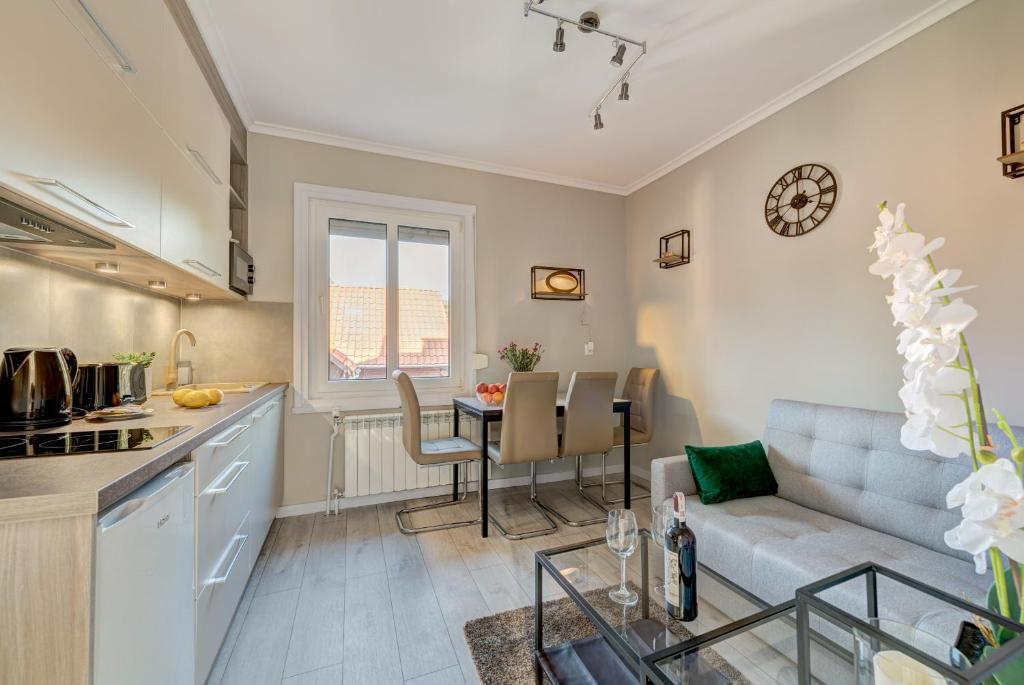 Cara Membuat Taman Kecil Di Depan Rumah  dom house apartments villa elen sopot harga terkini 2020
