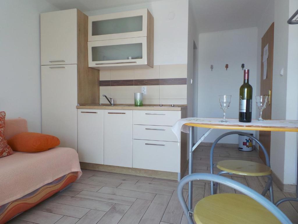 Jadranovo Apartment 1