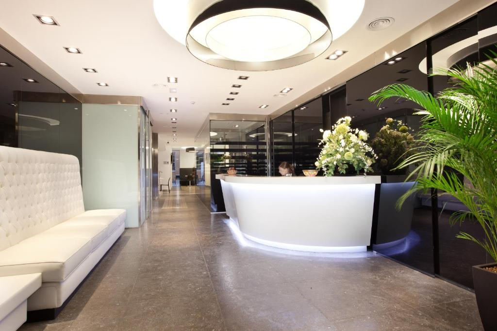 The lobby or reception area at Dalia Ramblas