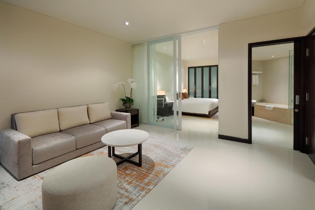 Room #70409972