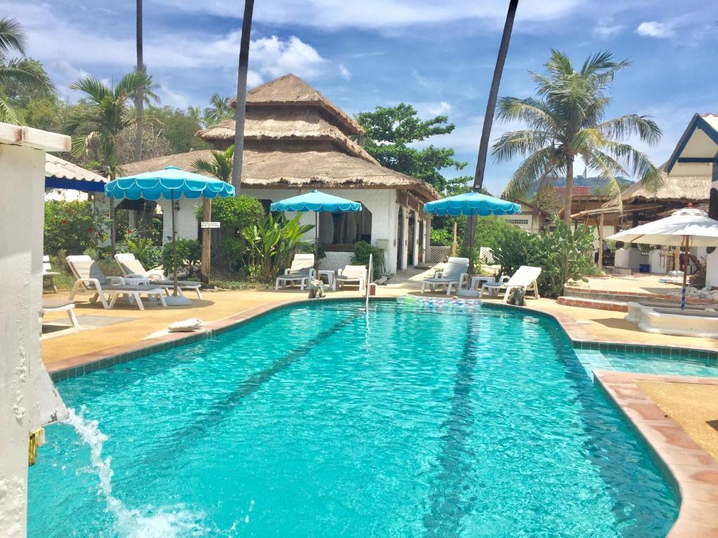 The swimming pool at or close to Lamai chalet Koh Samui