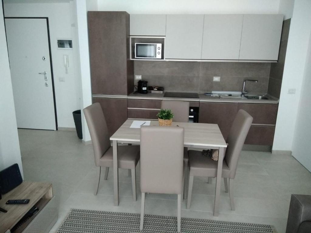 A kitchen or kitchenette at 1 Via Santa Croce