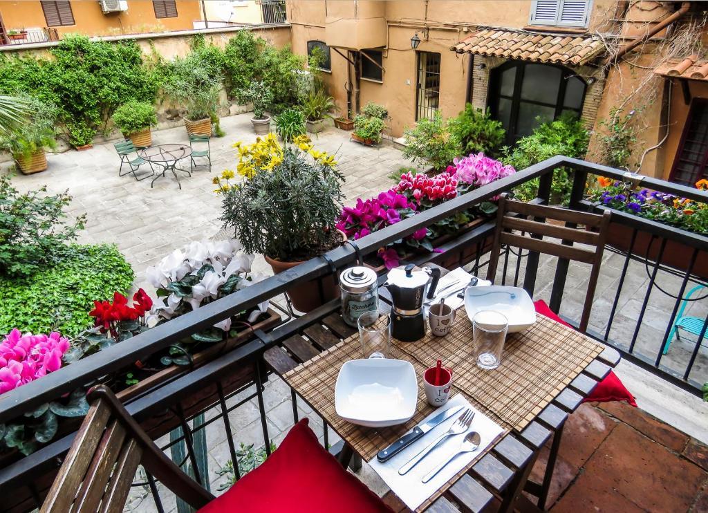 Balkón nebo terasa v ubytování Casa del Moro - romantic loft in Trastevere