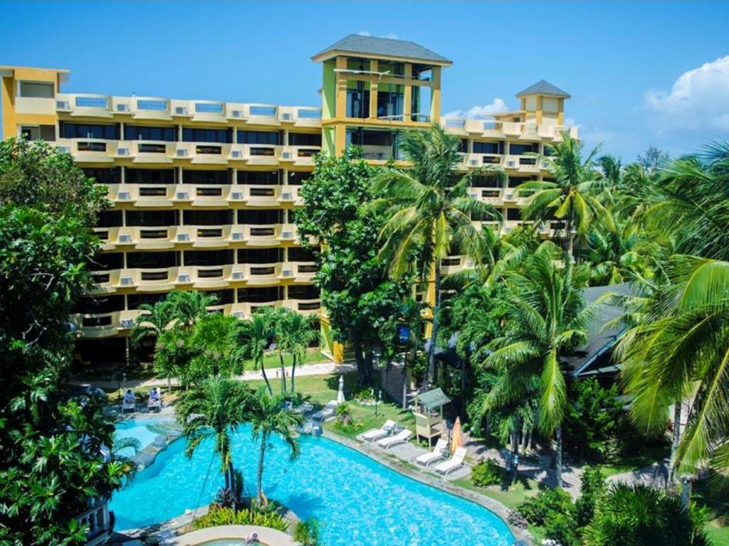 A view of the pool at Paradise Garden Resort Hotel & Convention Center or nearby