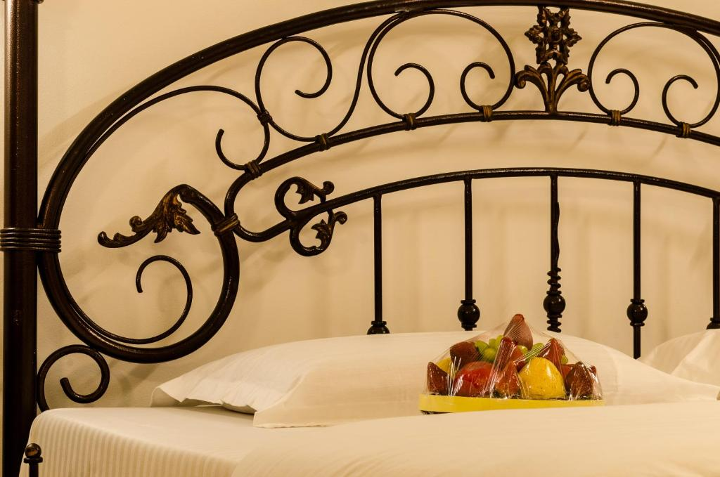 A bed or beds in a room at Hotel Dreamland