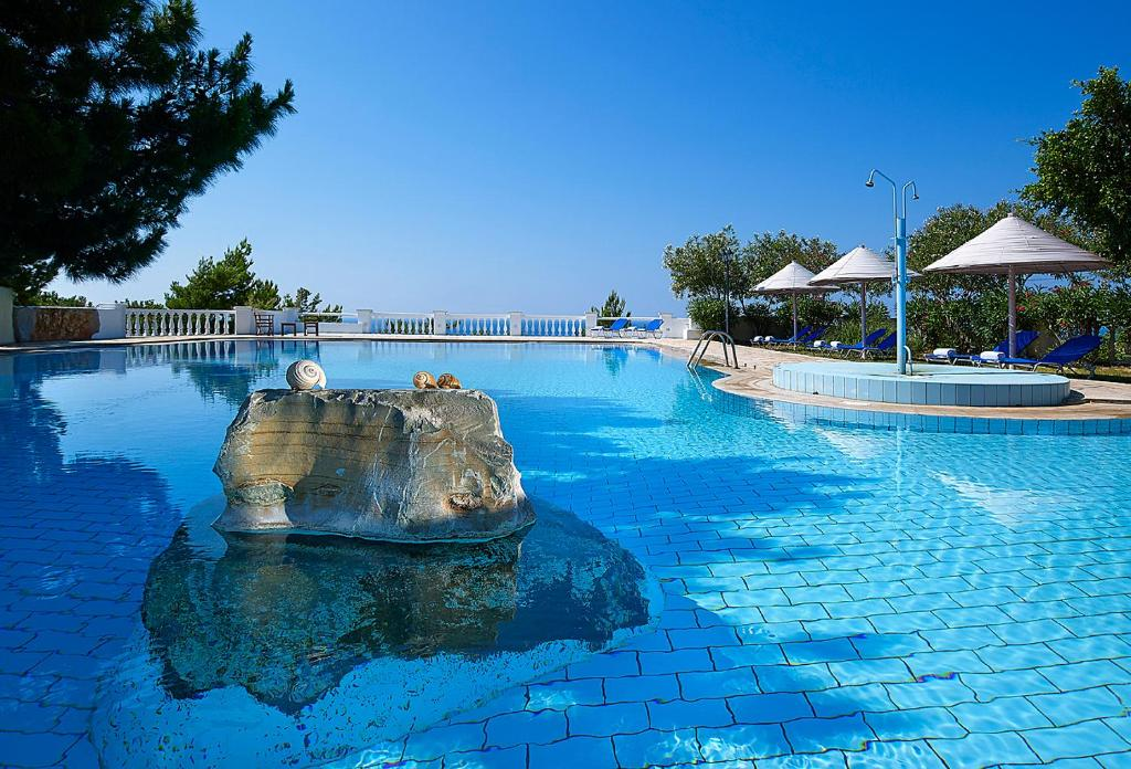 The swimming pool at or close to Aroma Creta