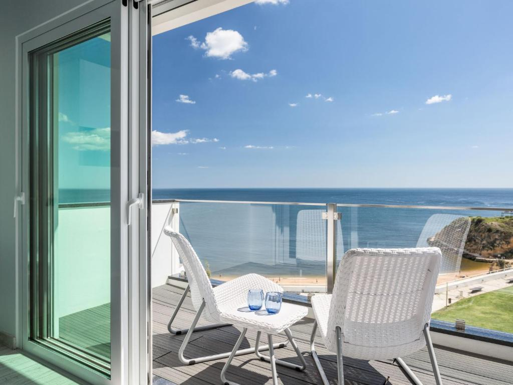 A balcony or terrace at Apartment Dream View 50m from the beach