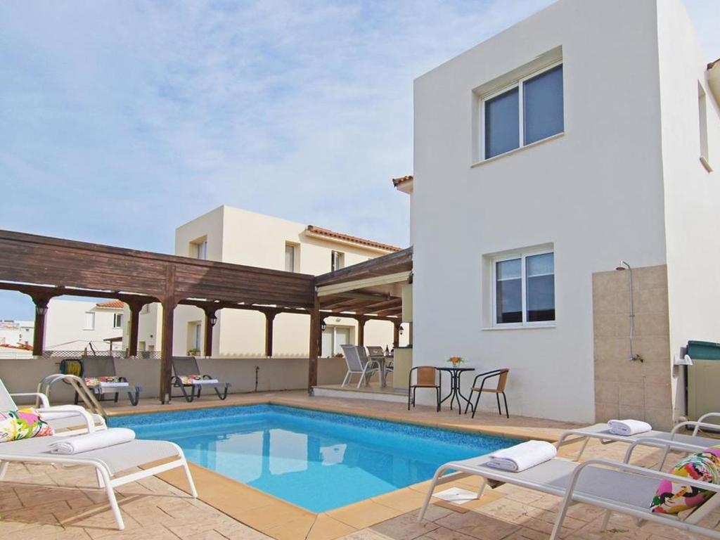 The swimming pool at or near Villa PEDAF8