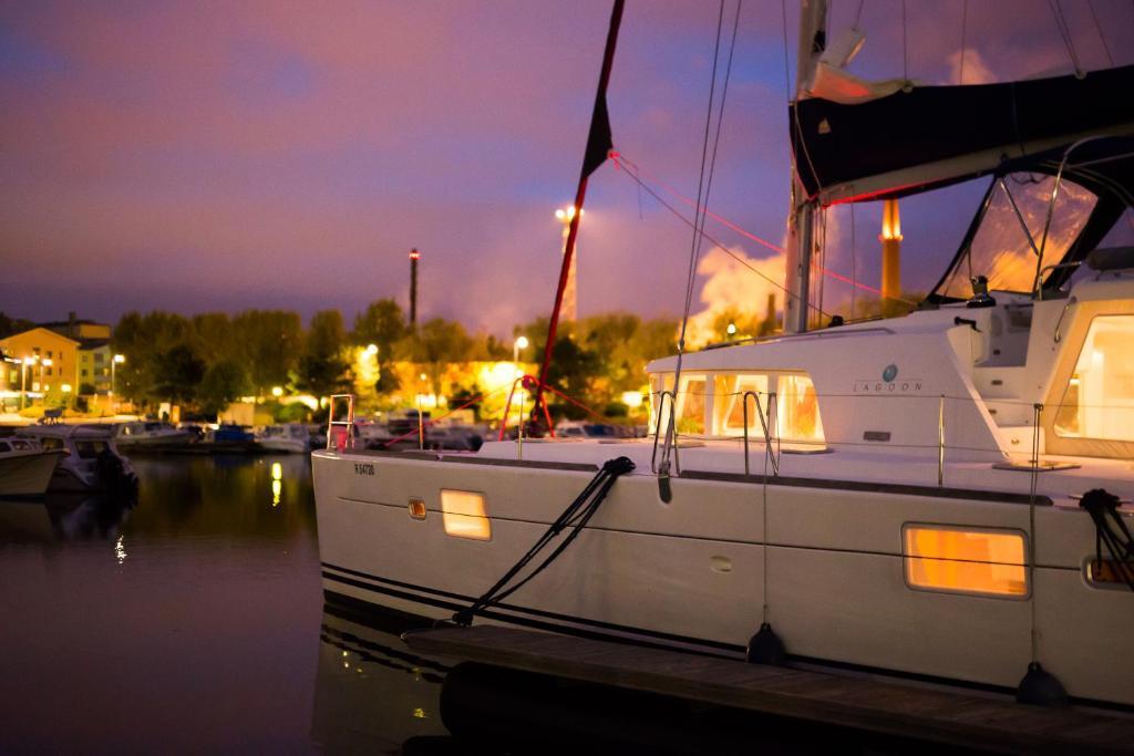 Dove dormire in Finlandia: catamarano Live Aboard Ocean Cruise