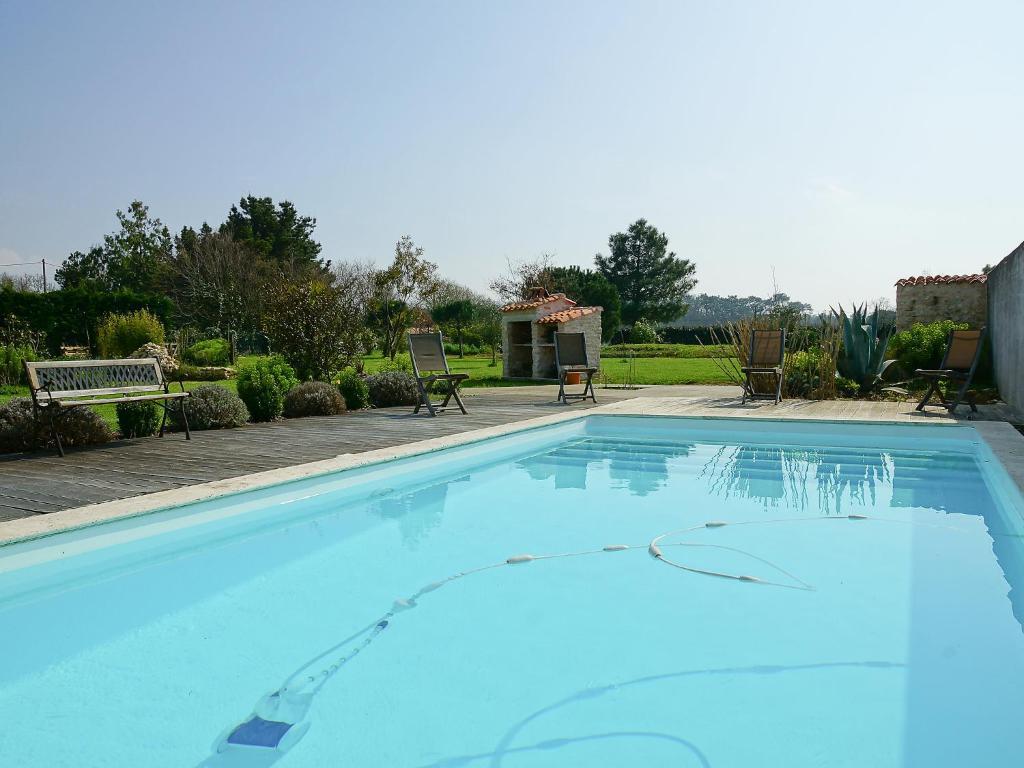 The swimming pool at or near Villa Le Grand Deau