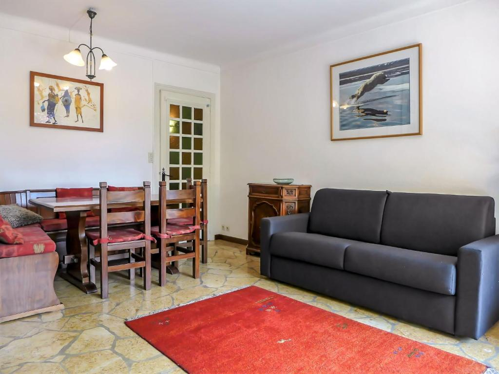 A seating area at Apartment Le Grand Triolet