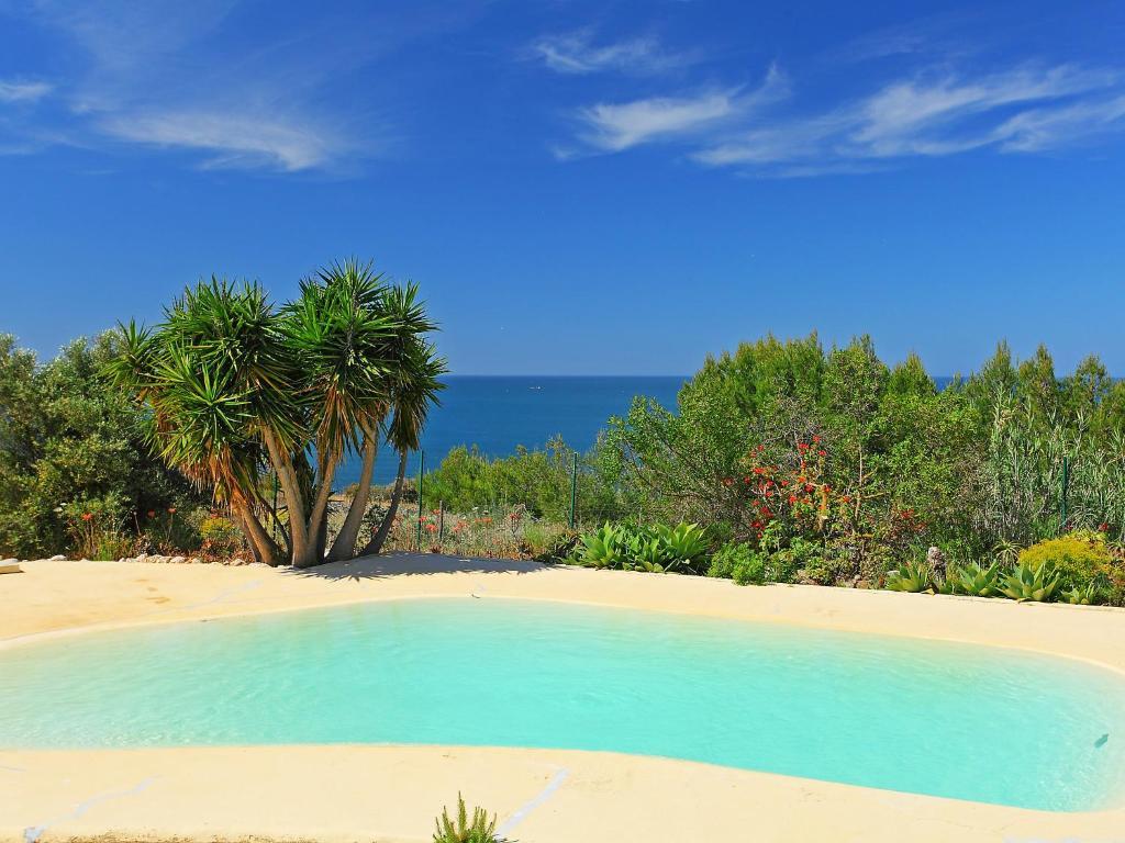 The swimming pool at or near Villa Casa Da Guarda