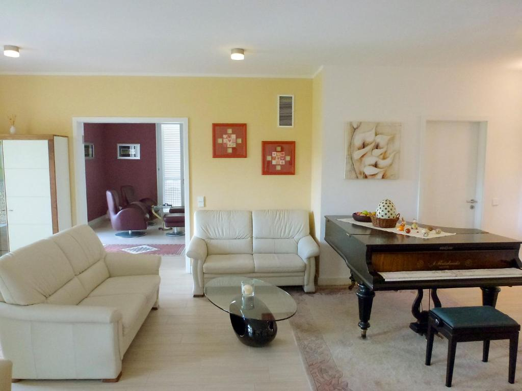 A seating area at Apartment Fontavia