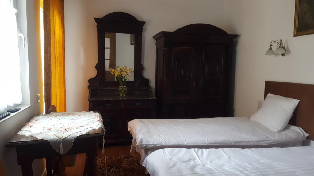 Ліжко або ліжка в номері Room in An Old House
