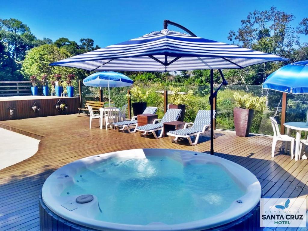 Swimming pool sa o malapit sa Hotel Estancia Santa Cruz