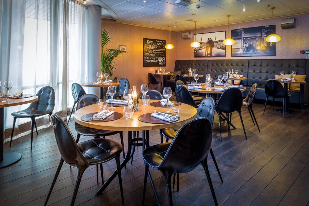 A restaurant or other place to eat at Clarion Hotel Stavanger