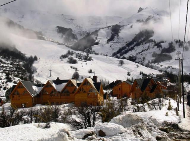 Cabañas Aquelarre Catedral durante el invierno