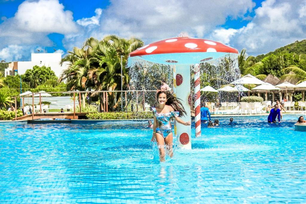 A piscina localizada em Iloa Resort All Inclusive ou nos arredores