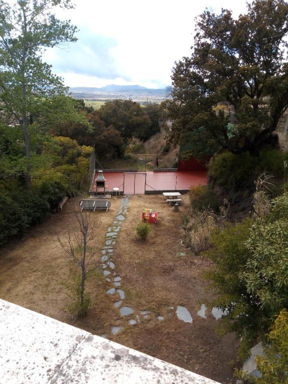 Casa de campo con pista de tenis, Aldea del Fresno, Spain ...