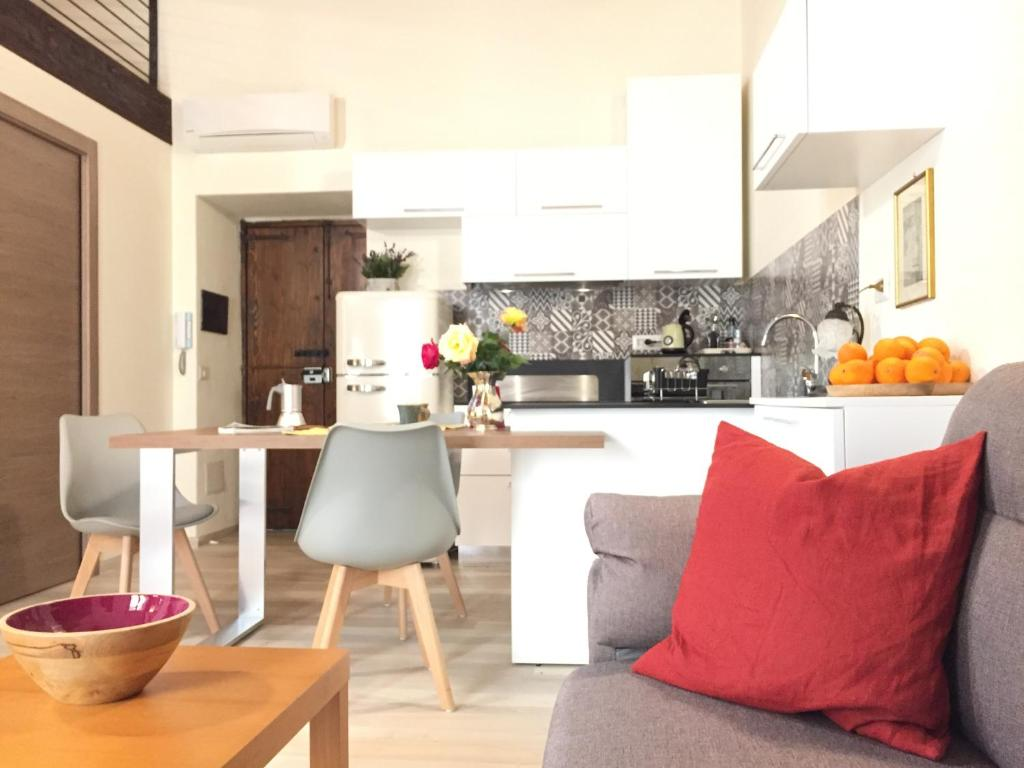 Cucina Soggiorno Stretta E Lunga apartment home carales, cagliari, italy - booking