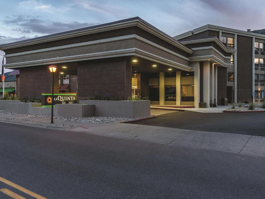Ramada Inn & Suites Glenwood Springs Colorado