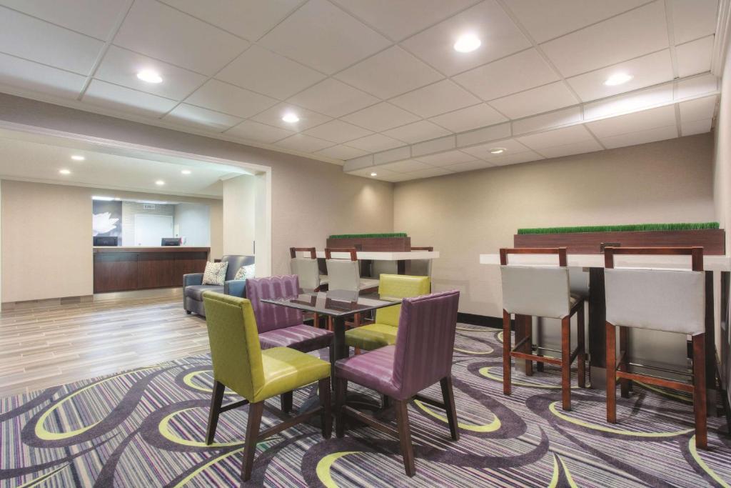 La Quinta Inn & Suites Atlanta Roswell