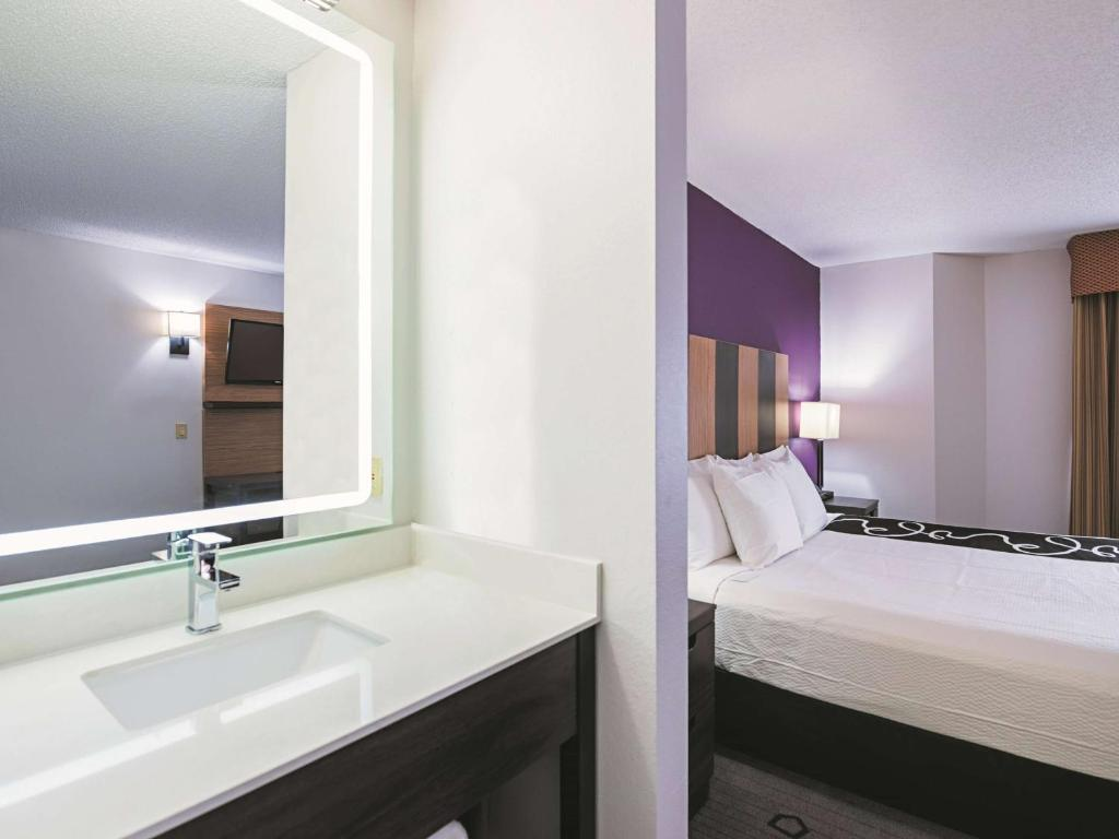 La Quinta Inn & Suites Minneapolis Northwest