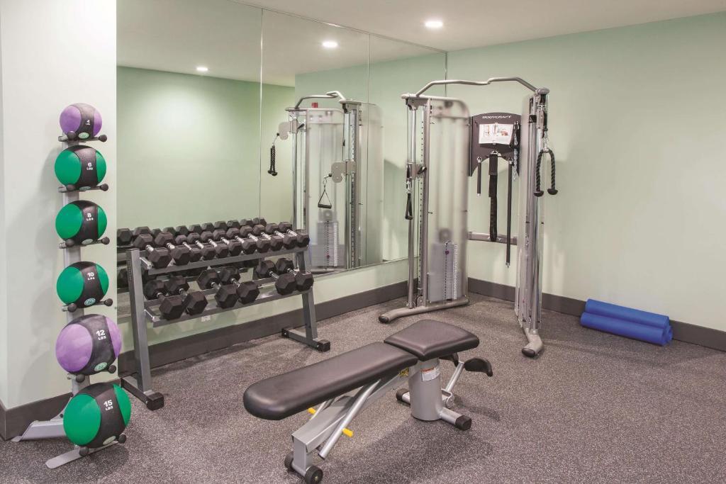 La Quinta Inn Suites Far Rockawa Queens Ny Booking