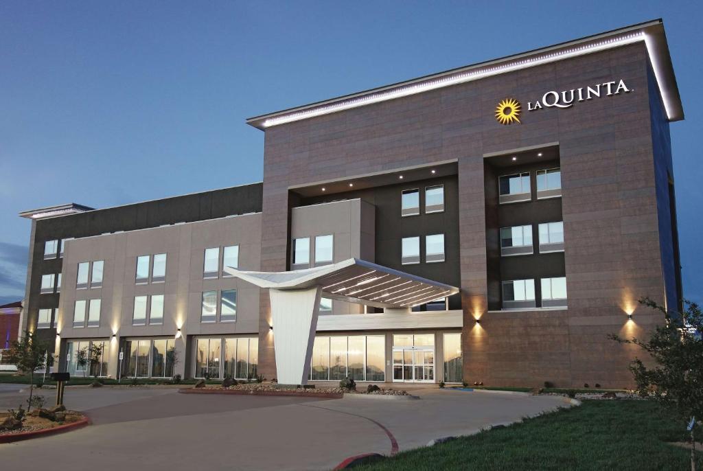 La Quinta by Wyndham Amarillo Airport.