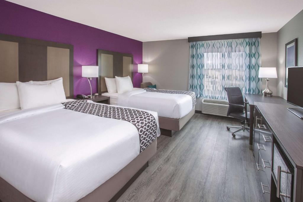 La Quinta Inn Suites Effingham Il