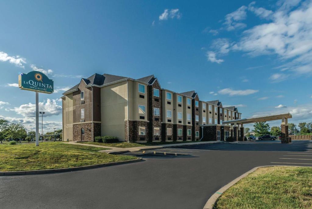 La Quinta Inn & Suites Collinsville- St.Louis