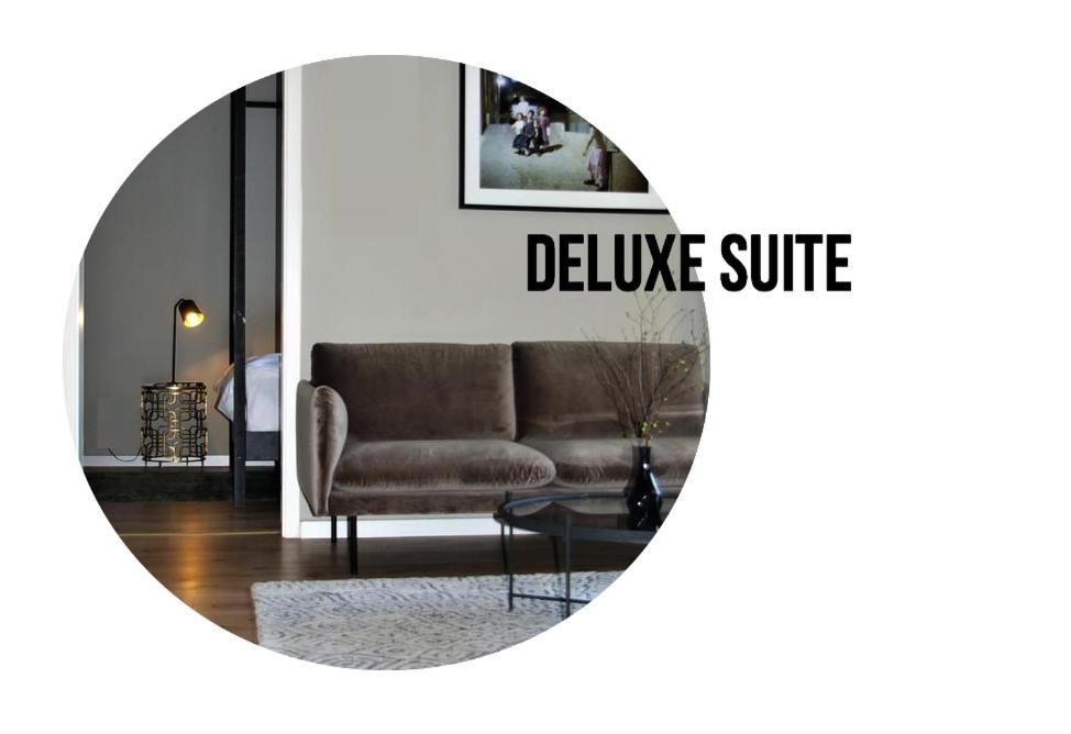 A seating area at The Suite Hotel Fabric