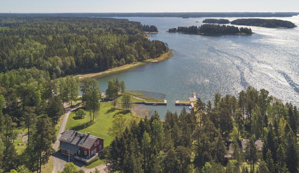 Majoituspaikan Kokous- ja tapahtumahotelli Calliola kuva ylhäältä päin
