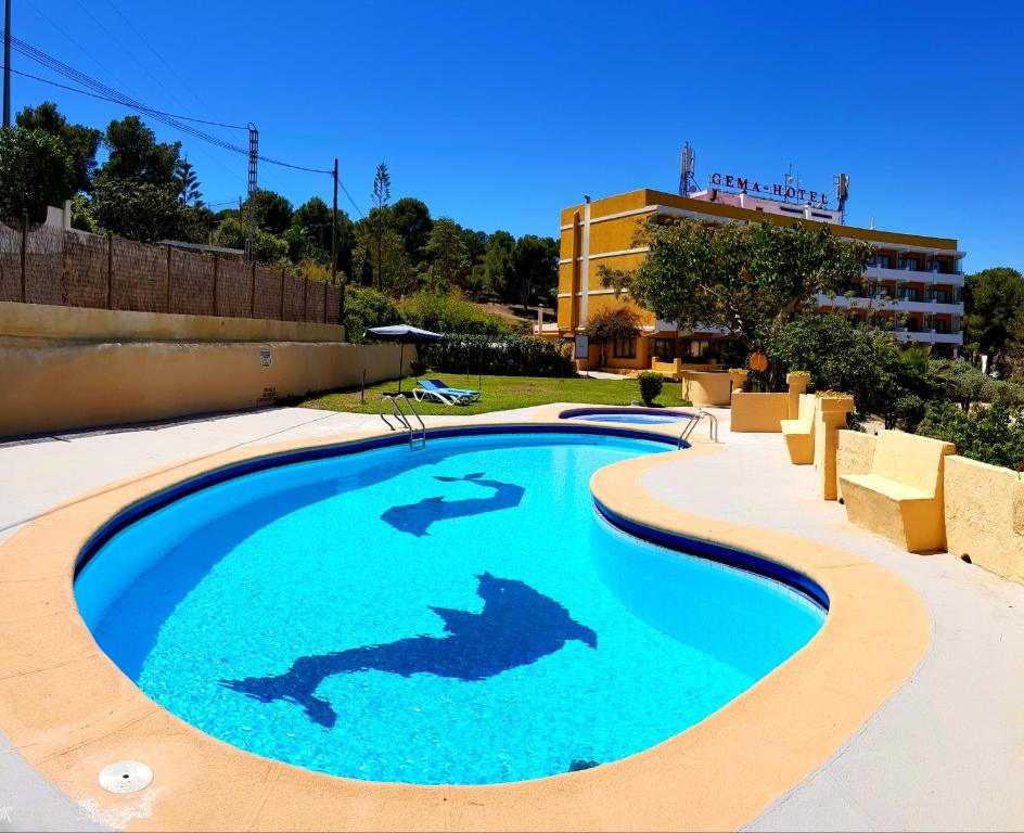 The swimming pool at or close to Gema Hotel