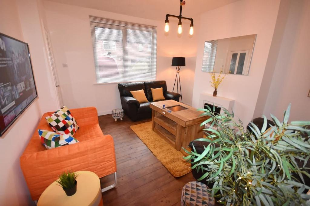 Apartment Funky Cosy Pad Stoke On T Uk Booking