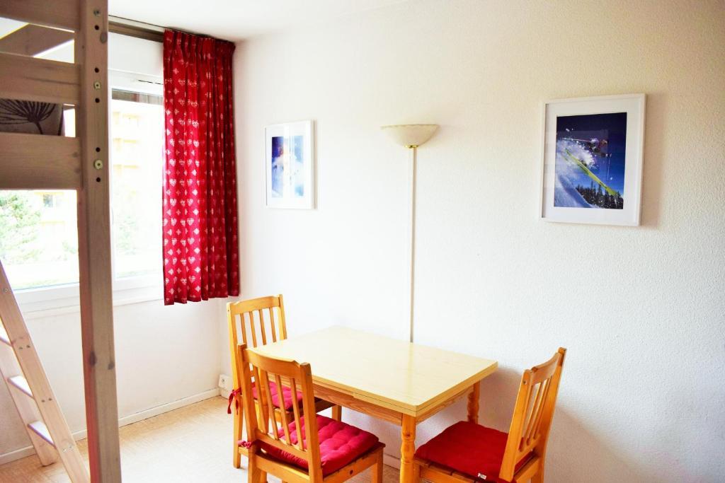 Apartment Le Studio Super D Le Dévoluy France Bookingcom