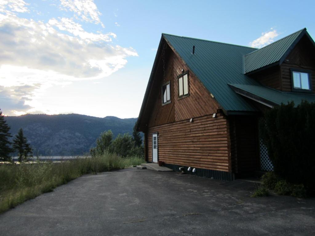 Jade Mountain Motel